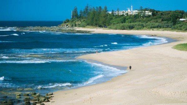 http://www.australia.com/en/places/qld/sunshine-coast.html tourism site