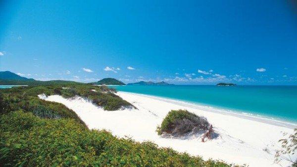 http://www.tourismwhitsundays.com.au/destinations/whitsunday-islands/