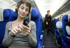 cell-phone-in-flight