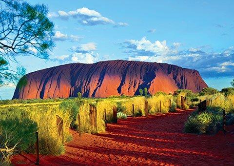 exploring australia colette uluru rock -04_cvo_8952_480x340