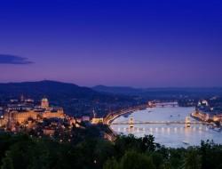 budapest-night2 monarch empress gate 1 river cruise