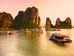 halongbay1-vietnam-travelteam