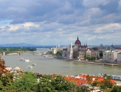river-cruise-specials-500-visa-gift-card-per-cabin budapest4 gate 1 river