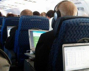 laptop-on-plane