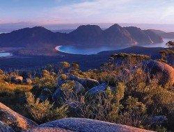 aat kings tasmanian wondersWineGlassBay-FreycinetNationalPark