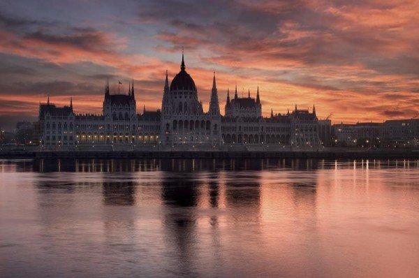 budapest-parliament danube river gate 1